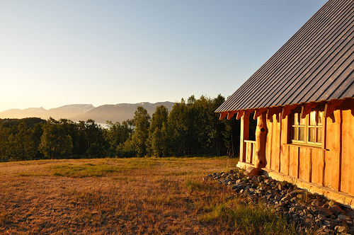 Cabin overlooking the mountains